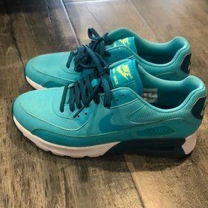 Like New Nike Air Max